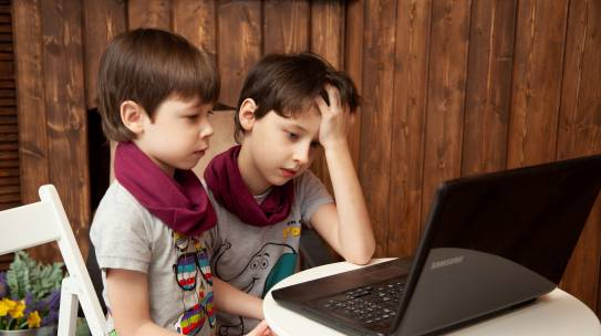 Los efectos del confinamiento en niños: cómo manejar una situación inédita